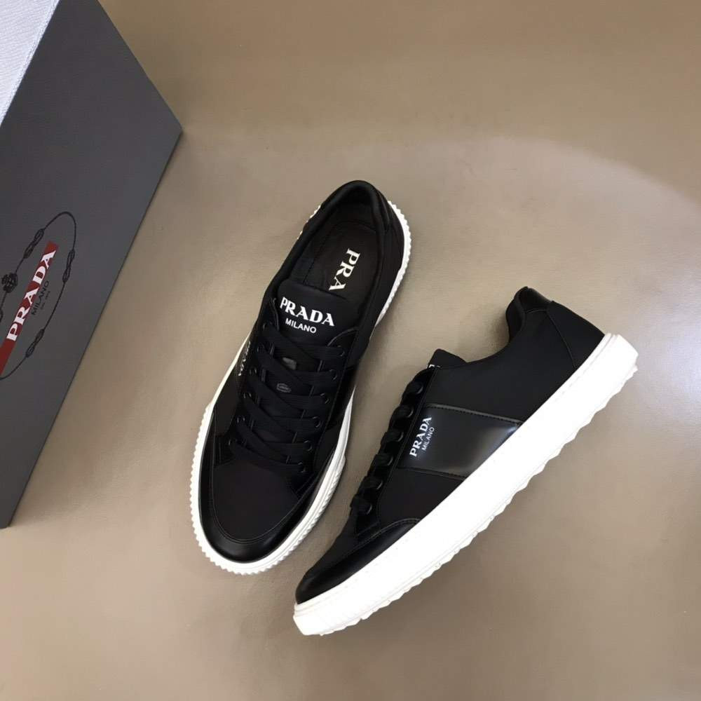 Кроссовки Leather laced sneakers Black