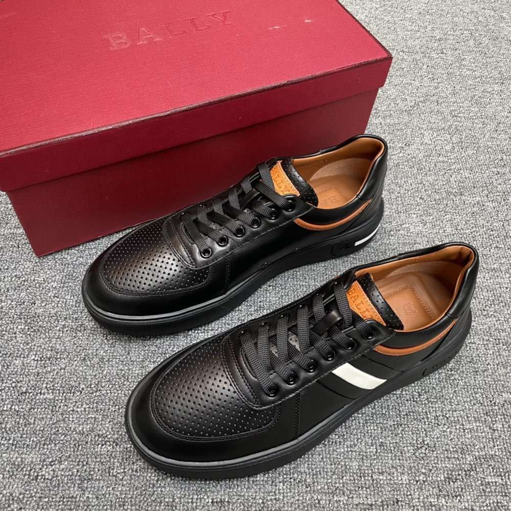 Кроссовки Leather Sneakers in black