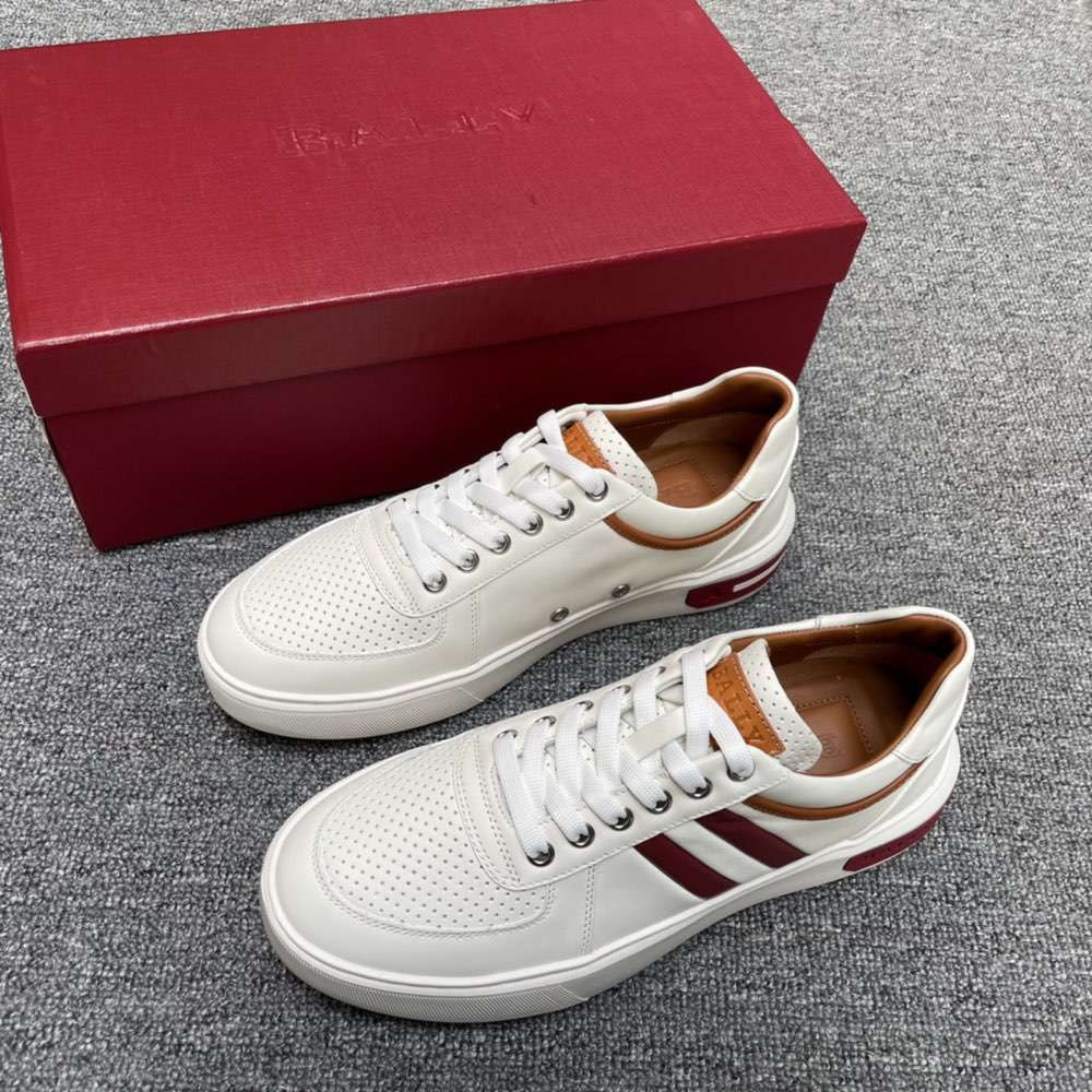 Кроссовки Leather Sneakers in white