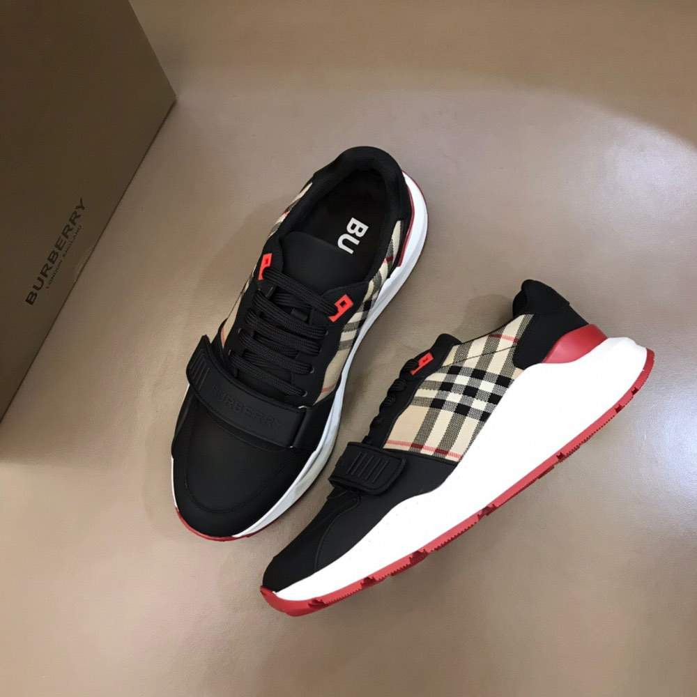 Кроссовки Suede and Vintage Check Sneakers Black