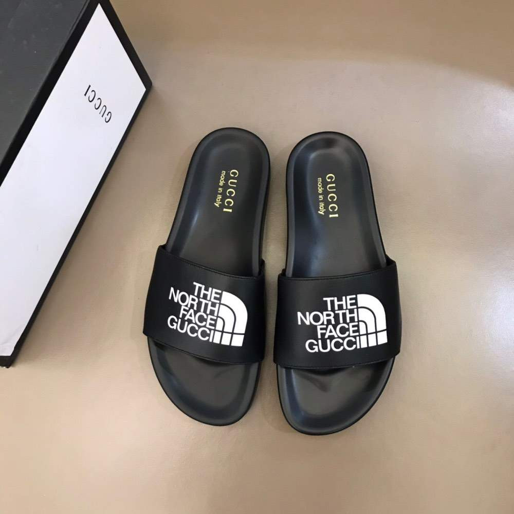 Шлепанцы x The North Face Slippers Black And White