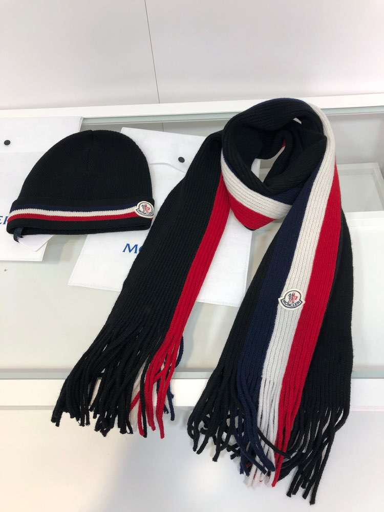 Tricolor scarf and hat