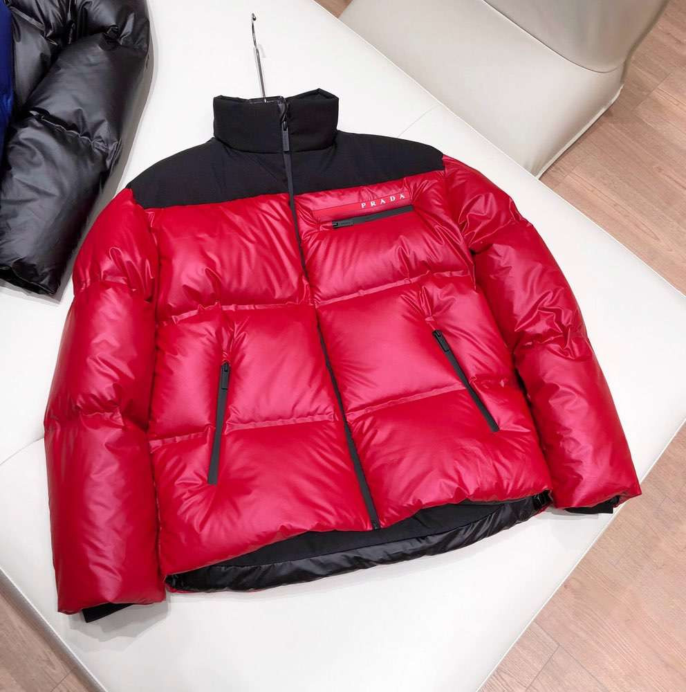 Пуховик Light Bonded Nylon Puffer Jacket Red