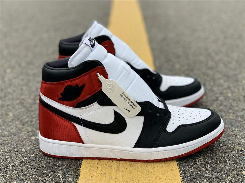 Кроссовки Air Jordan 1 Satin WMNS Black Toe