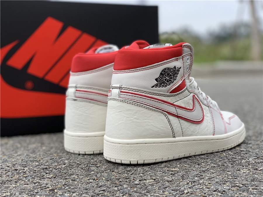 Мужские кроссовки Nike Air Jordan 1 Retro High OG Sail Red